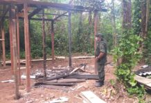 construção irregular foi destruída pela Polícia Ambiental
