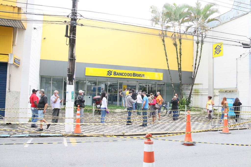 Agência do Banco do Brasil sem controle de fila (Foto: Divulgação/PMC)