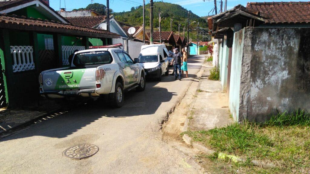 Policiais ambientais foram à casa após denúncia (Foto: Divulgação/PA)
