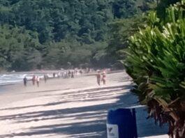 Turistas ignoram decreto e vão à Praia da Baleia, deixando comunidade indgnada (Foto: Divulgação)