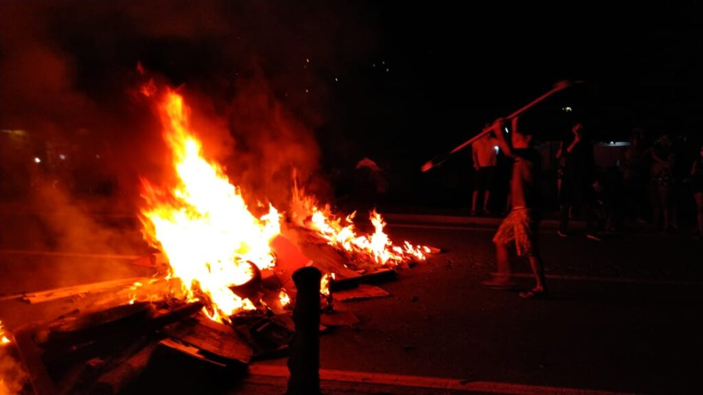 Manifesto realizado em Juquehy vai parar na Polícia Civil (Foto: Divulgação/Helton Romano)
