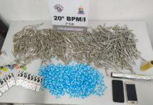 Drogas estavam em sacola na casa de mulher presa (Foto: Divulgação/PM)