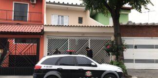 A dupla comprou o Jeep da vítima e pagou com conta clonada (Foto: Polícia Civil)
