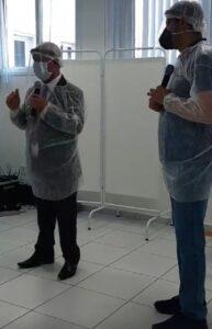 Carlinhos da Farmácia e Aguilar Júnior em coletiva de imprensa após visita técnica
