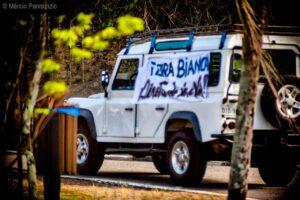 jipeiros de Ilhabela protestam