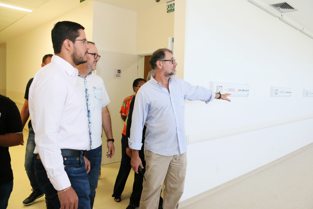 Prefeito Aguilar Junior em vista ao HR (Foto: Divulgação/PMC)