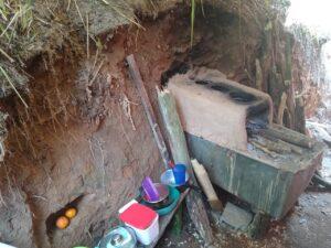 A Polícia Ambiental encontrou o barraco construído dentro do PESMAR - Imagem: PMA