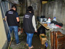 Fiscalização da Vigilância Sanitária inspeciona estabelecimento (Foto: Divulgação/PMC)