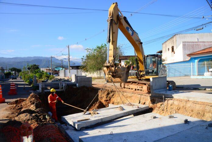 Obras de drenagem das Avenidas Brasília e Prudente de Moraes (Foto/ Divulgação)