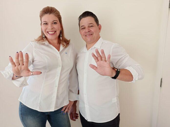Dennis Guerra e sua candidata a vice, Carine
