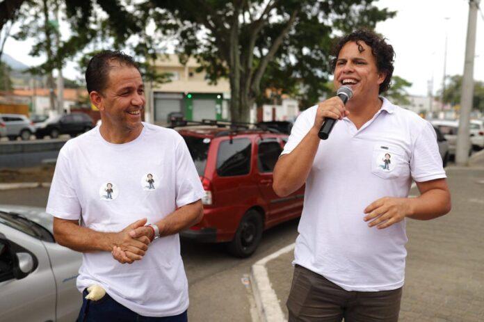 Lucimar Castilho e Professor Gleivison comemoram deferimento (Foto: Divulgação)