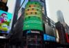 O nome de Caraguatatuba em letreiro em plena Times Square (Divulgação)