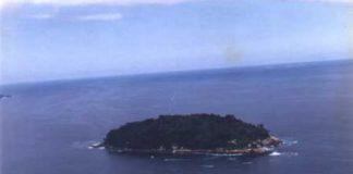Embarcação naufragou na altura da Ilha Rapada (Foto Divulgação)