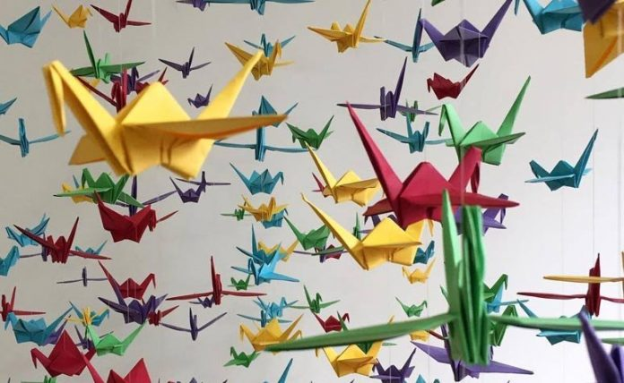 Oficinas culturais têm técnica de origami (Foto: Divulgação)